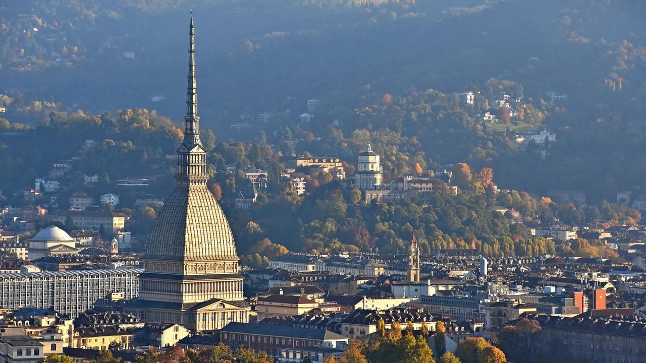 Visita Guidata a Torino e Aperitivo