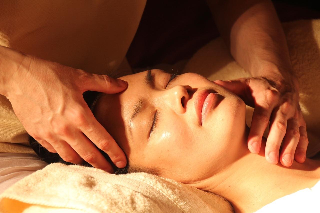 Ayurvedic massage (Abyangam)