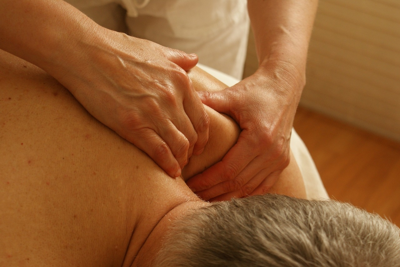 Ayurvedic massage for the elderly