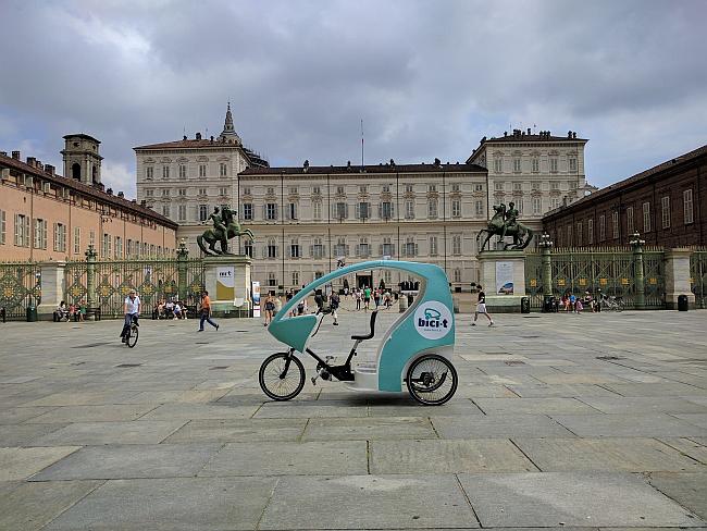 Torino centro e Castello del Valentino con Bici-t